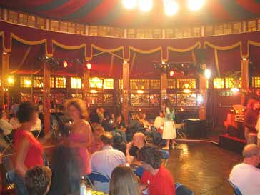 inside the famous spiegeltent